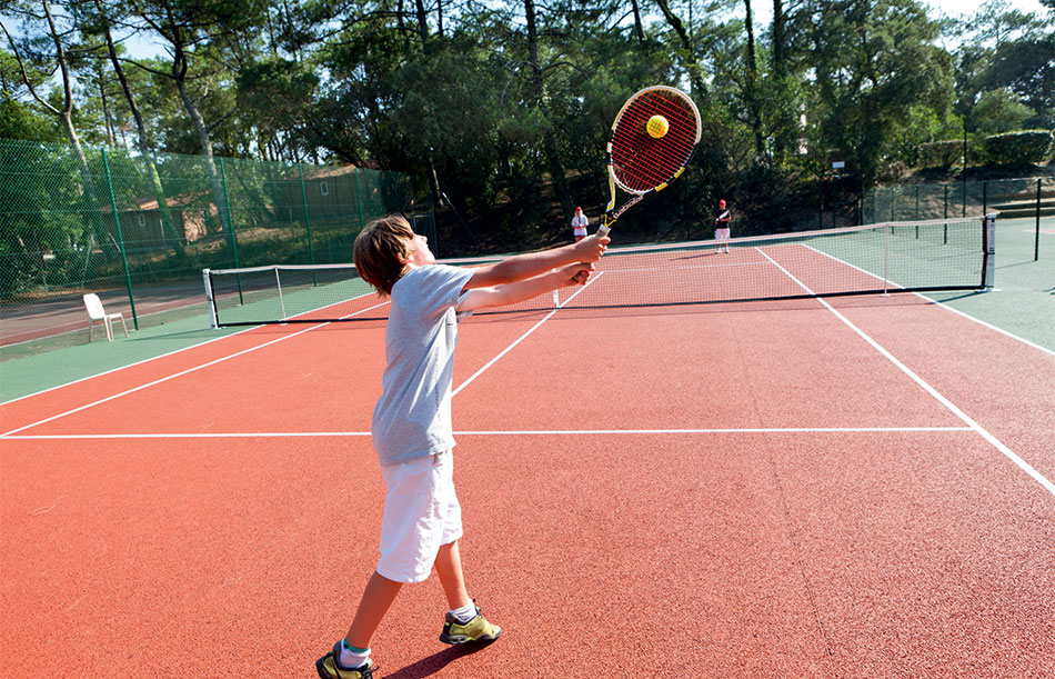 Initiation et stages de tennis avec Yonex