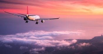 Comment bien voyager en avion ? Suivez nos conseils pour un vol agréable