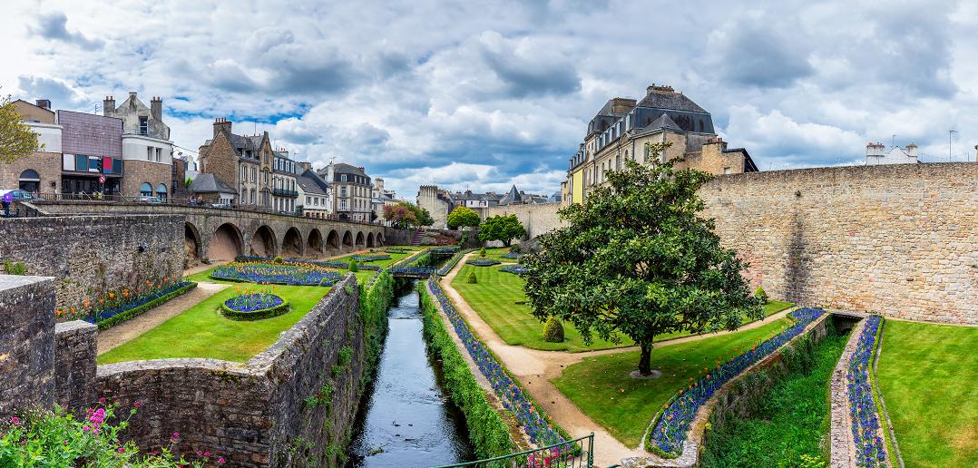 Villes et villages fleuris de bretagne lesquels visiter - Jardins de bretagne a visiter ...