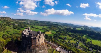 Le château de Murol dans le Puy-de-Dôme, un trésor médiéval