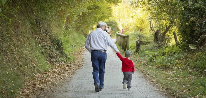 Partir avec ses petits-enfants pour les vacances de Pâques