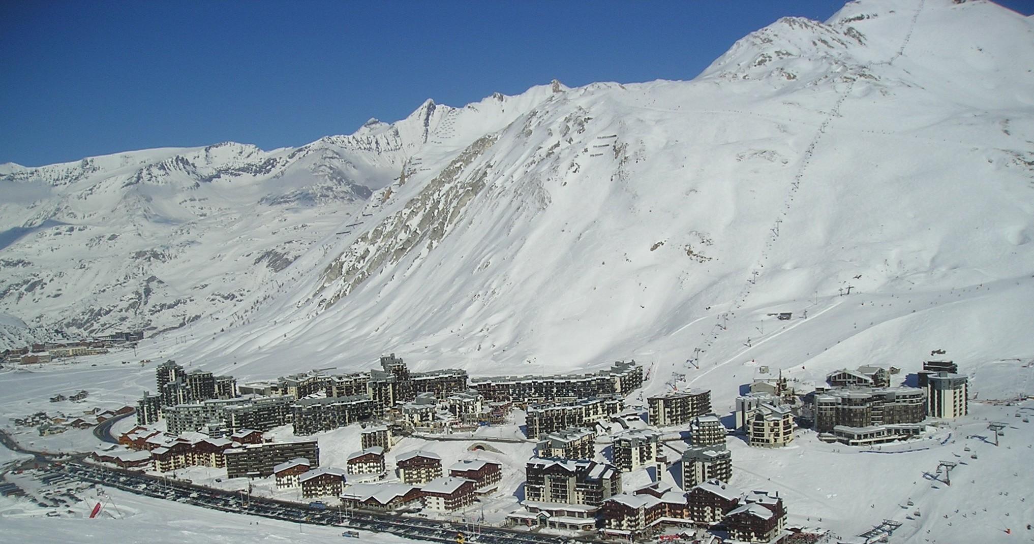 skier tignes station des alpes du nord domaine de tignes val d is re. Black Bedroom Furniture Sets. Home Design Ideas