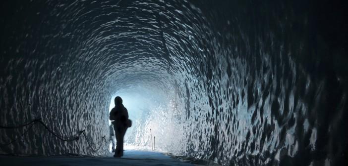 Les grottes de glace : découvrez les glaciers des Alpes autrement