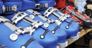 Sécurité en montagne: matériel de ski adapté et réglementation sur les pistes