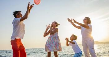Partir avec des ados : comment faire pour que les vacances ne tournent pas au cauchemar ?