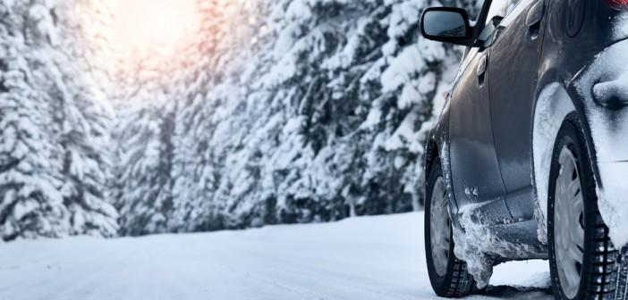 Équiper sa voiture pour rouler sur la neige