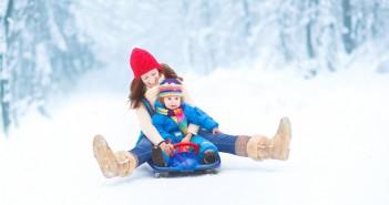 Sortir en hiveravec bébé : comment le protéger des grands froids