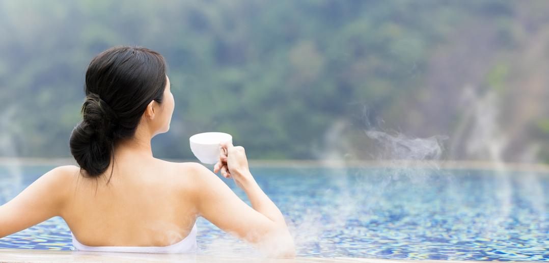 Et si on se baignait en automne? Les 10 sources d'eau chaude à tester en France