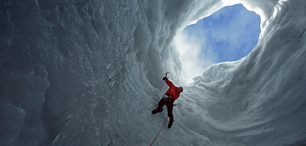 Ice Expérience : testez-vous à l'escalade sur glace, à deux pas de La Plagne