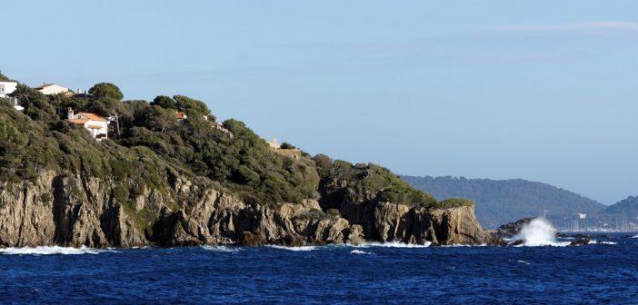 Sentier du littoral à Giens : des randonnées incontournables