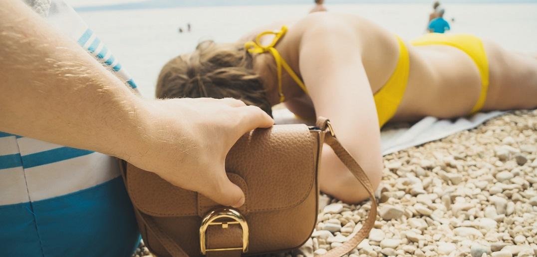 Comment éviter les pickpockets et les vols en vacances ?