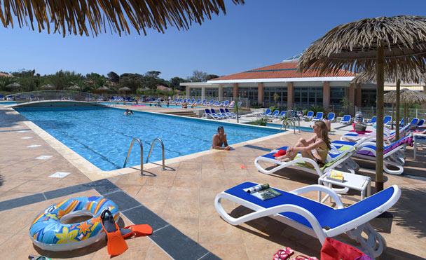 Club Riviera Beach Club